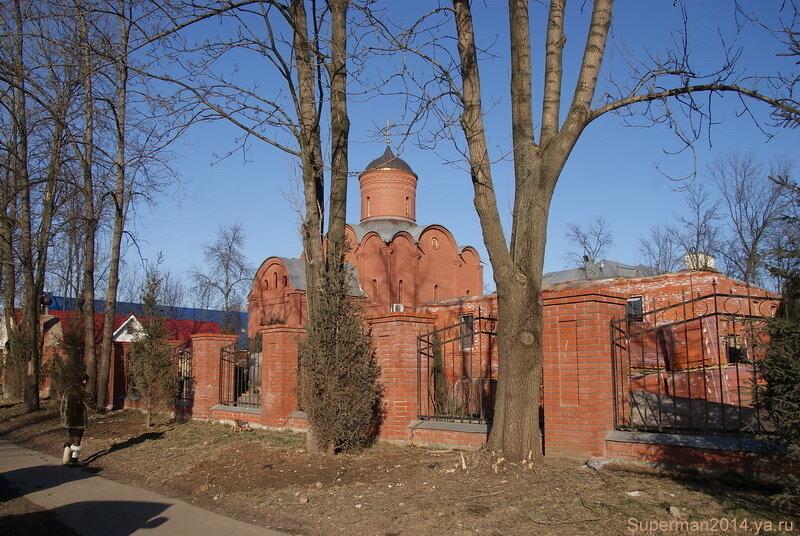 Храм Святого Целителя Пантелеимона на территории Центральной больницы