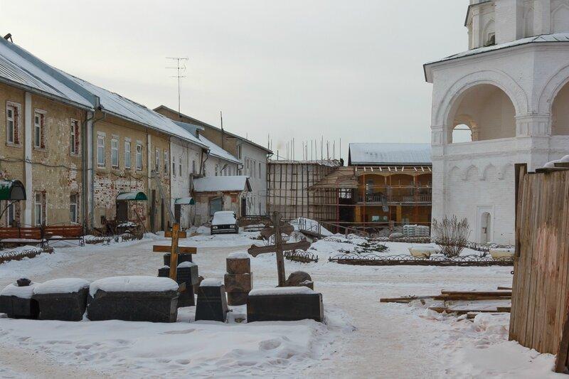 Строения в Николо-Пешношском монастыре