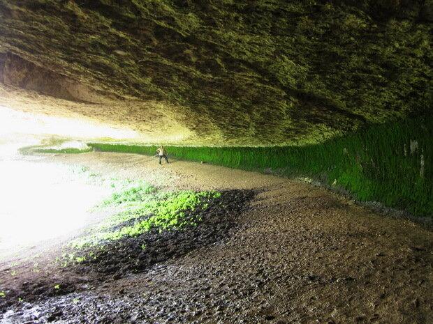 Пещера с родником