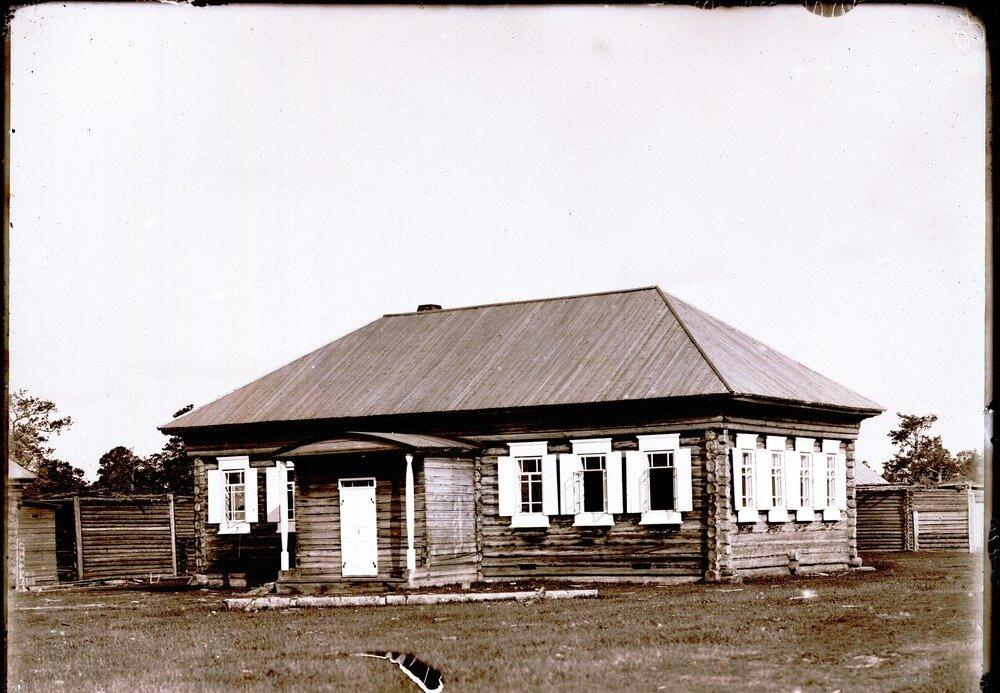 Село Болчаровское.  Школа