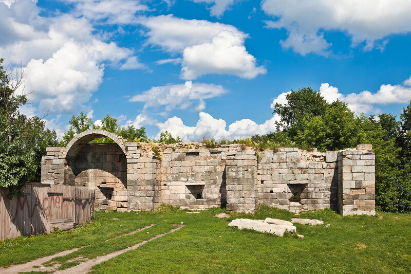 Крепостные стены Серпуховского кремля