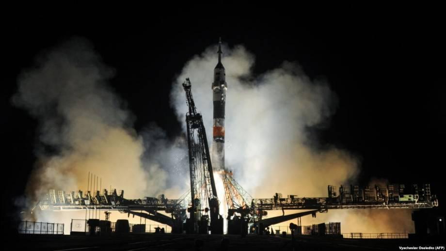 Американские и русский астронавты прибыли на МКС