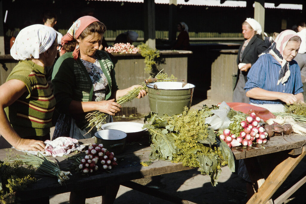 Russia, merchants selling vegetables at Irkutsk market