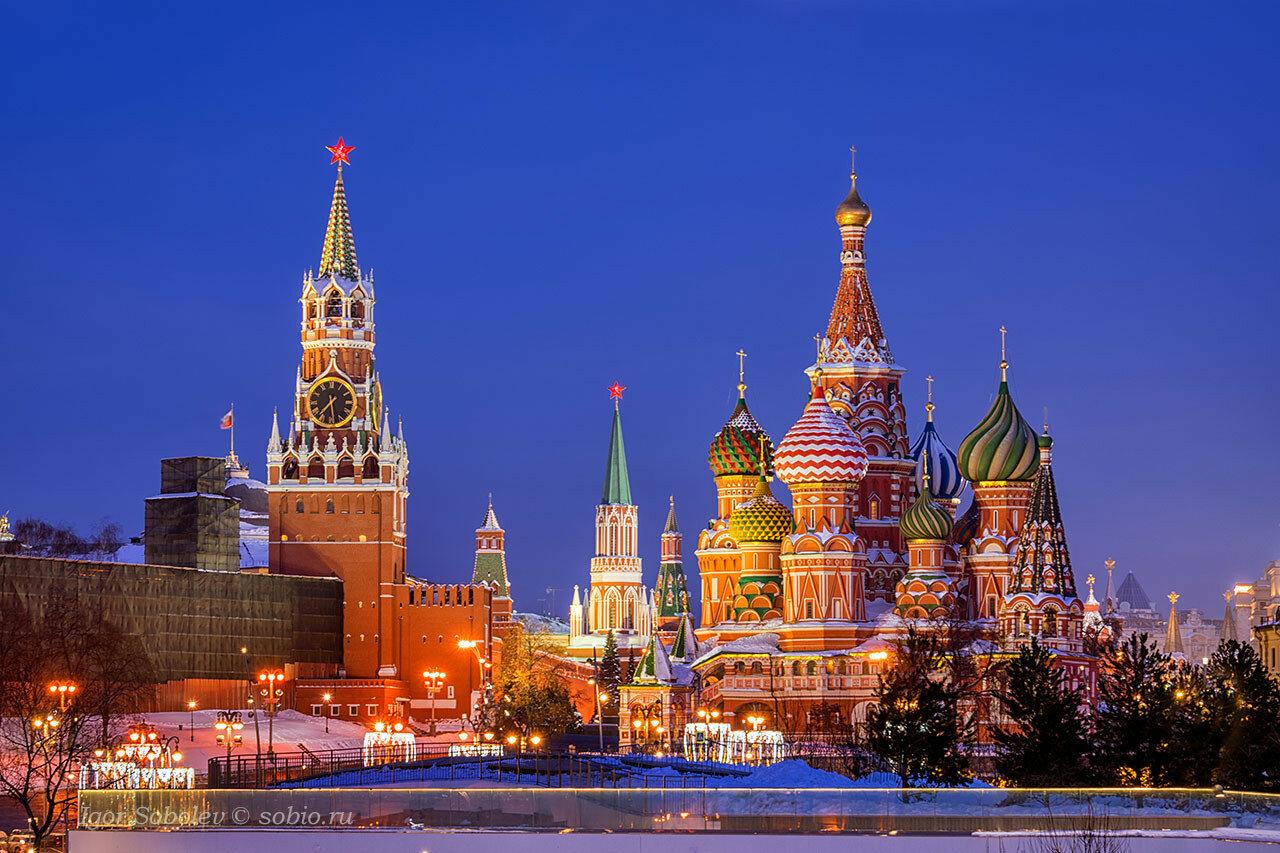 Собор Василия Блаженного и Спасская башня