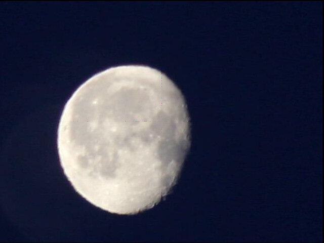 Луна, сборка в Registax 40 кадров