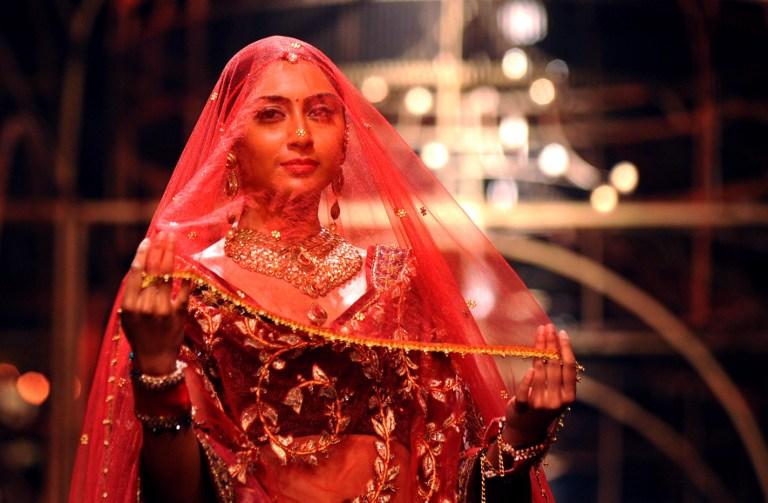 INDIA-ARTS-FASHION