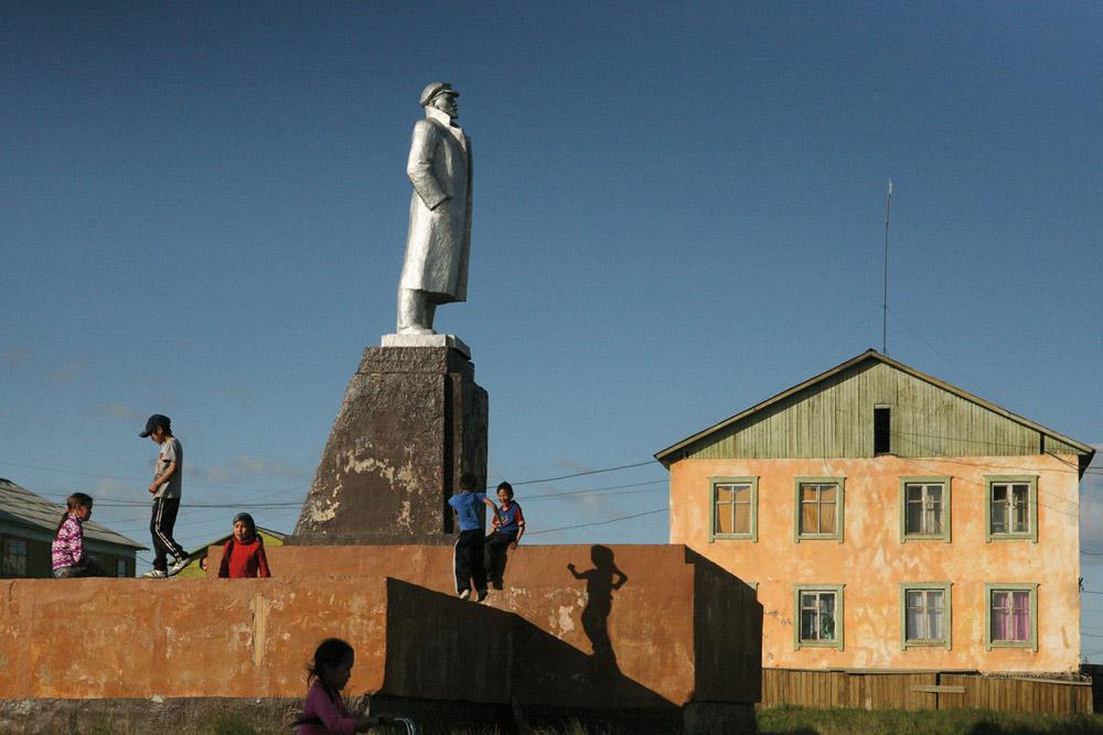 Yakutia. Allaikhovsky ulus. August 2008Chokurdakh settlement. Monument to Lenin.