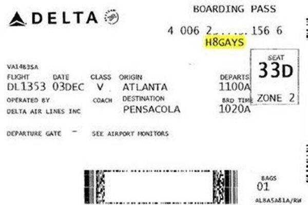 Авиакомпания извинялась за «гомофобский» код на посадочном талоне