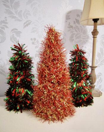 Мастерим простые новогодние елочки вместе с детьми