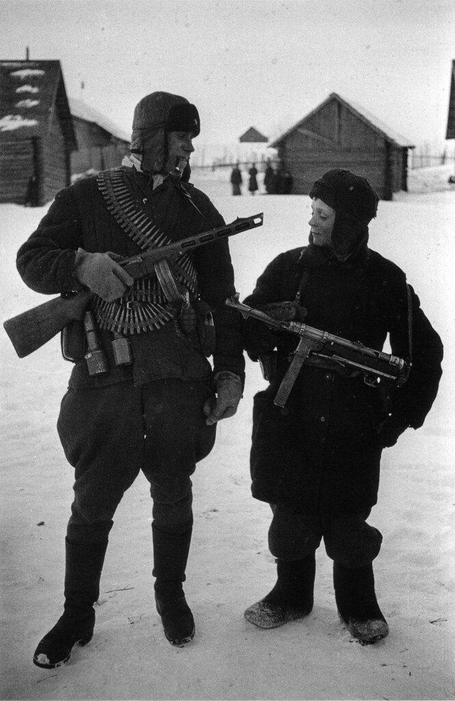 Два партизана из Брянской области. 1943 г.