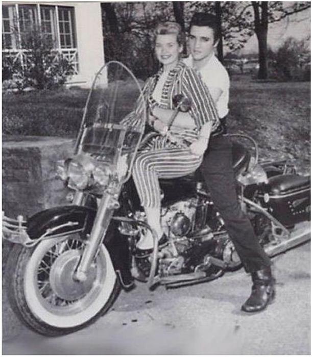 Элвис Пресли, 1950-е гг