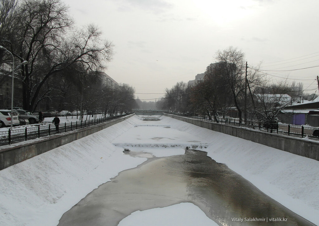 Река Весновка-Есентай. Алматы.
