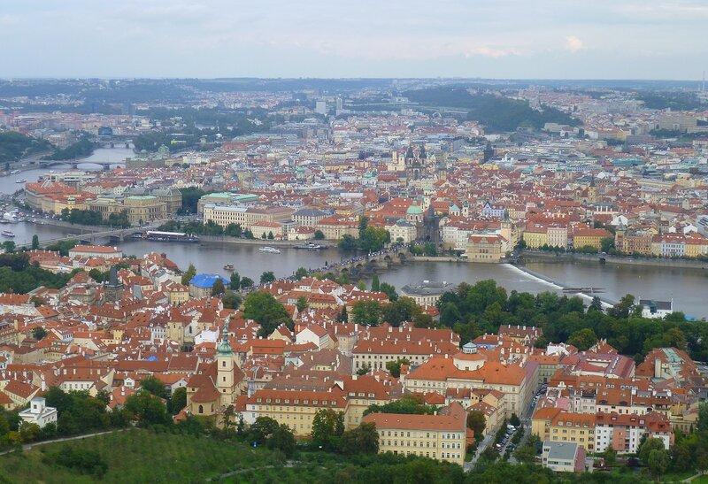 Чехия, Прага - вид с Петршинской башни (Czech Republic, Prague - view from Petrin Tower)