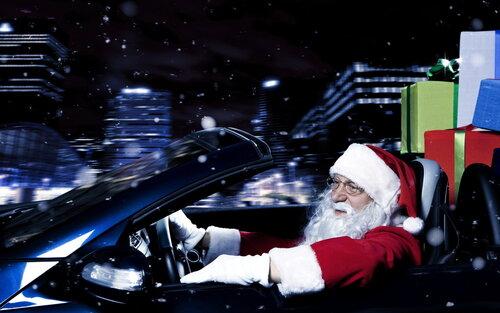 Дед Мороз на машине