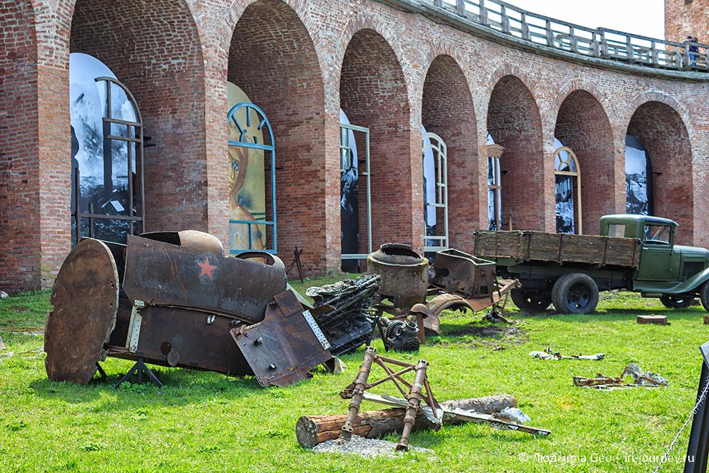 выставка ко Дню Победы в Новгородском Детинце