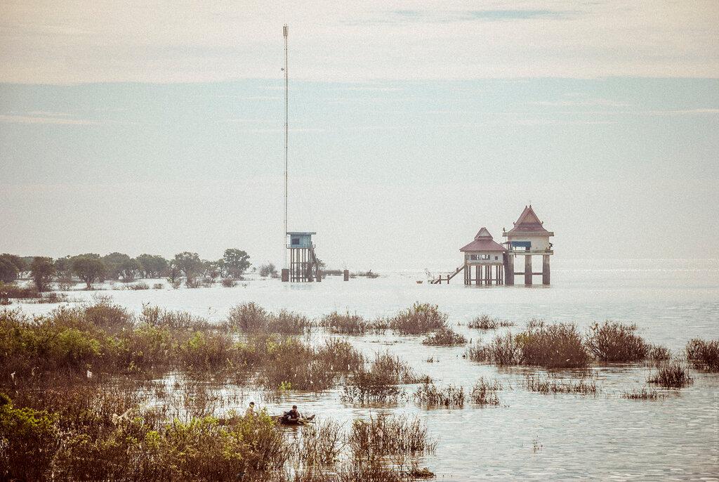 Камбоджа. Деревня на озере Тонлесап.