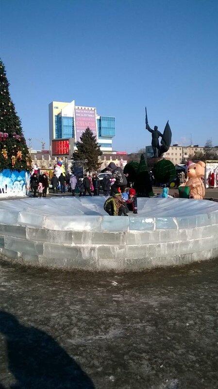 новогодняя площадь Уссурийска