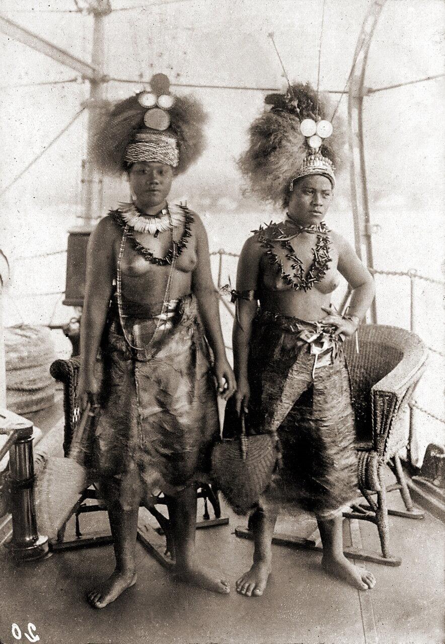 Дочери самоанского короля Матаафа на борту корабля
