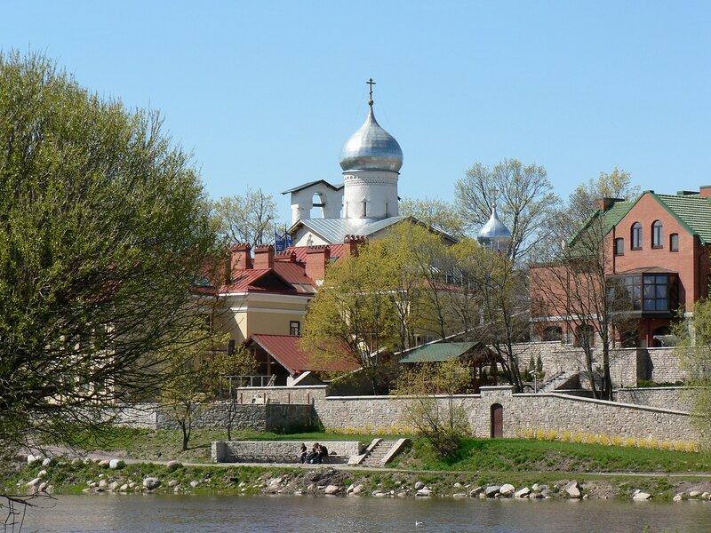 Церковь Богоявления с Запсковья в Пскове (весна 2007)