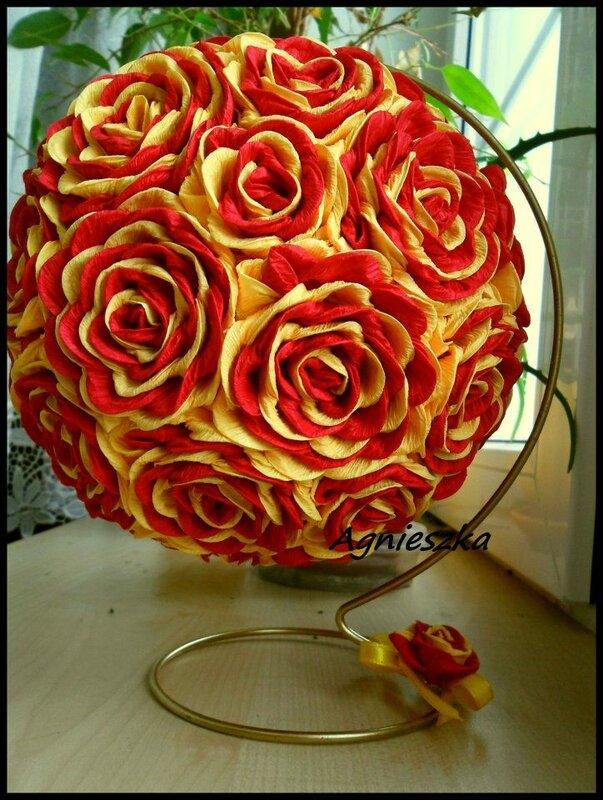 Крученные розы из