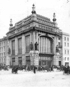 Фасад дома со стороны Невского проспекта (архитектор Г.В.Барановский, 1902-1903).
