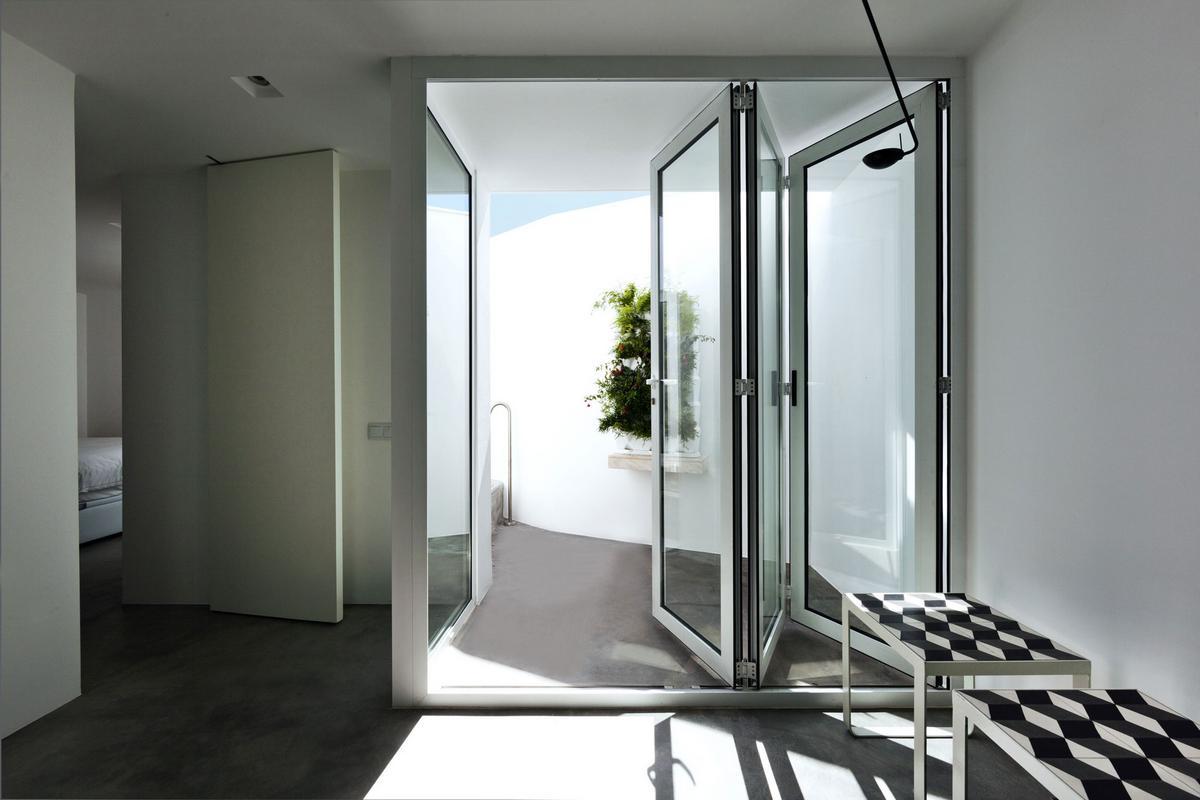 Casa Xonar, Силвиш, Португалия, Studio Arte architecture & design, Lusco Fusco Concepts, дом в арабском стиле, минимализм, яркая мебель в интерьере