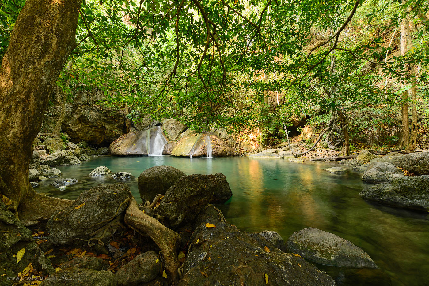 Фотография 12. Четвертый уровень водопада Erawan. Самостоятельная экскурсия в национальный парк возможна и из Паттайи. Отзыв об отдыхе в Таиланде (полнокадровый фотоаппарат Nikon D610, широкоугольный объектив Samyang 14/2.8, настройки: 100, 14, f/10.0, В=1.0 секунда)