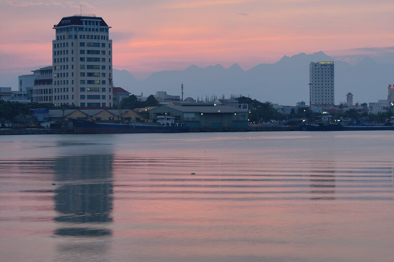 Закат над рекой Hàn