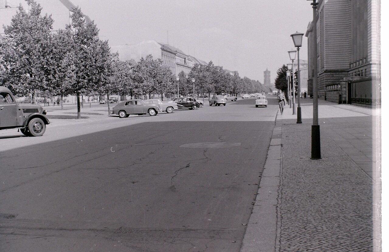 8 сентября 1959. Унтер-ден-Линден, Восточный Берлин