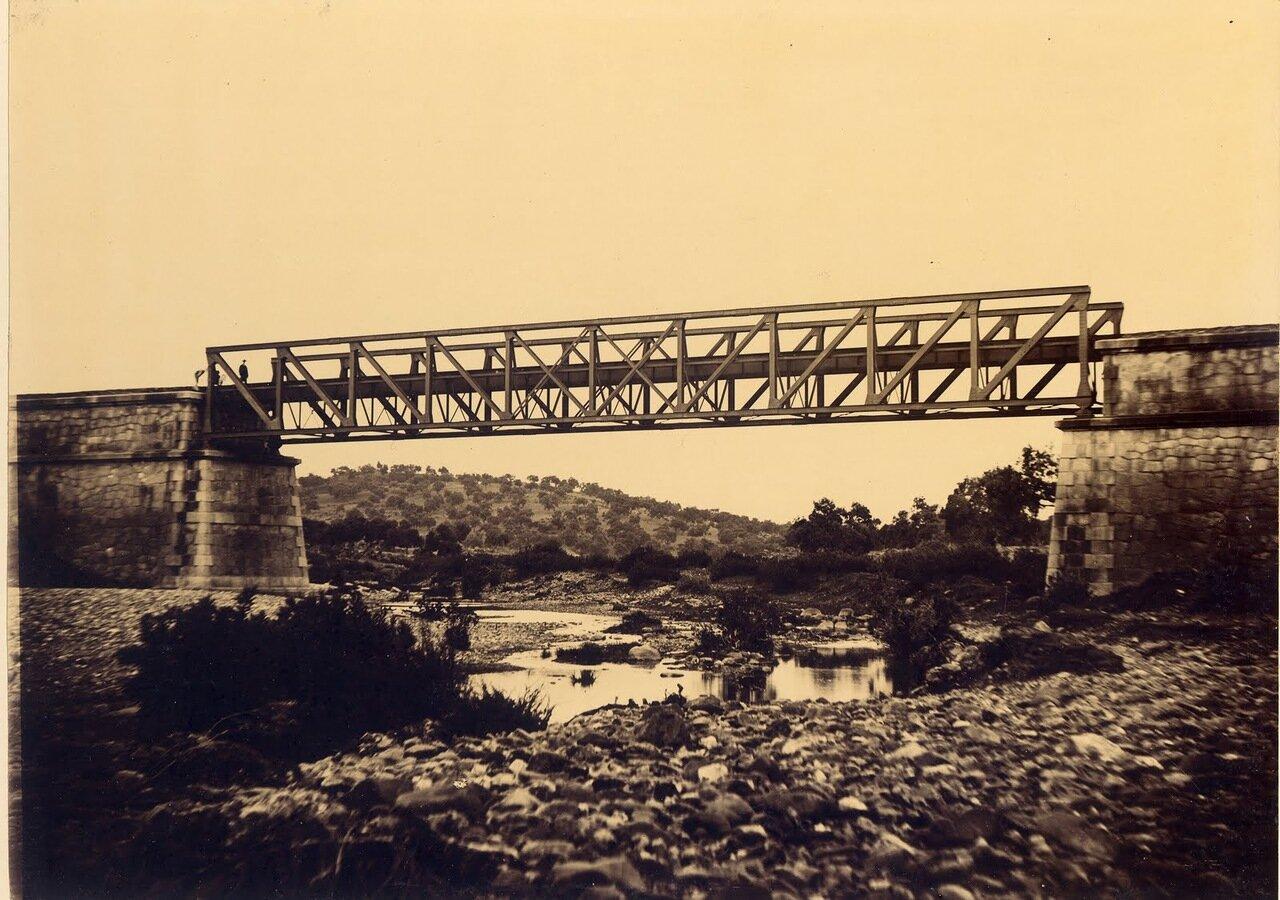 Мост Ардила через реку