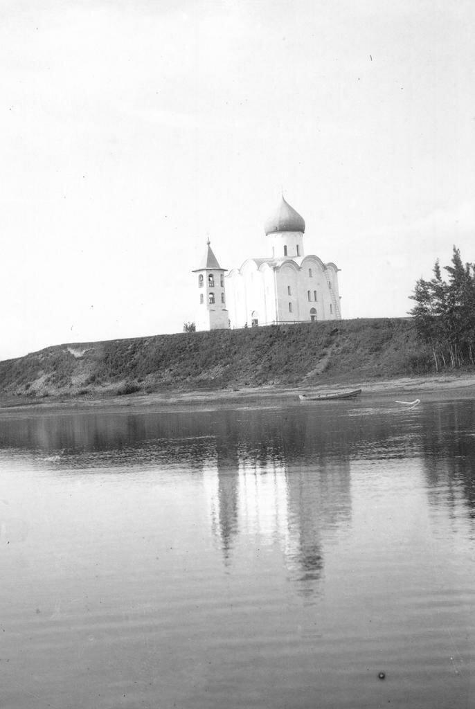 Церковь Спаса на Нередице. Общий вид