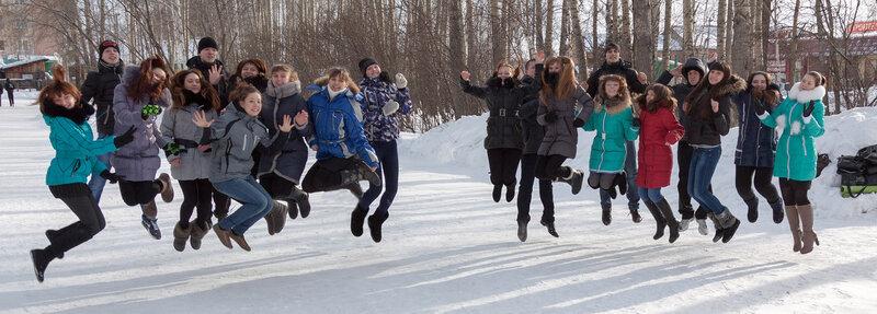 Школа №29. 11 Б. Коллективное фото в прыжке