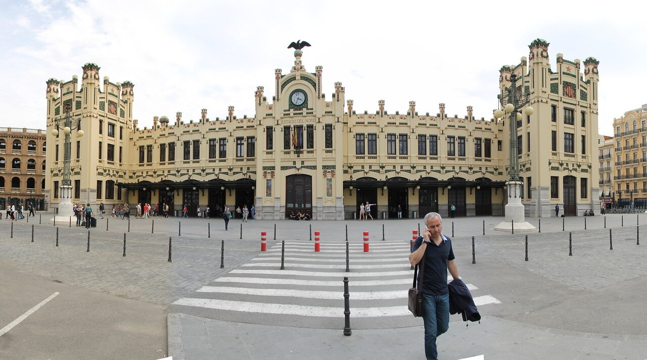 Valencia. Norte train station (Estación del Norte), panorama