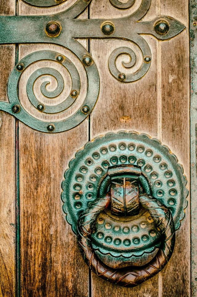 4. Марокко Цветная ручка-кнокер в марокканском стиле.