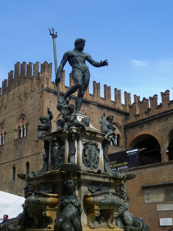 Италия. Болонья. Фонтан Нептуна. (Italy. Bologna. Fountain of Neptune)
