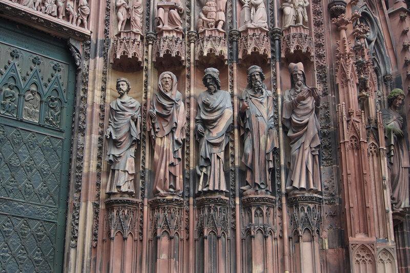 Страсбургский собор. Центральный вход. Статуи пророков