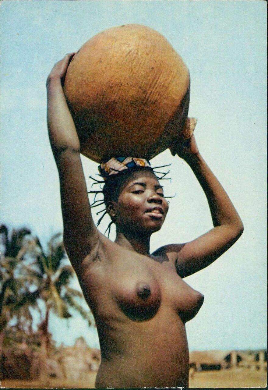 1960. Африканская девушка