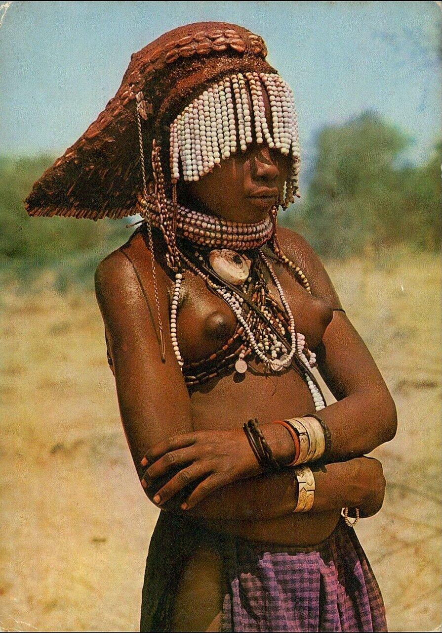 1980-е. Ангола. Девушка из племени унбундо