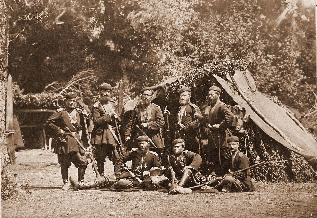Бойцы Грузинской дружины в походном лагере