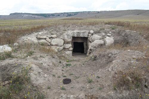 Курган со склепом в окрестностях Сарак-кая, с. Мироновка, Белогорский район