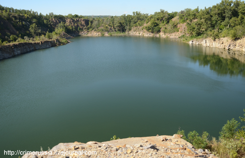 карьер озеро