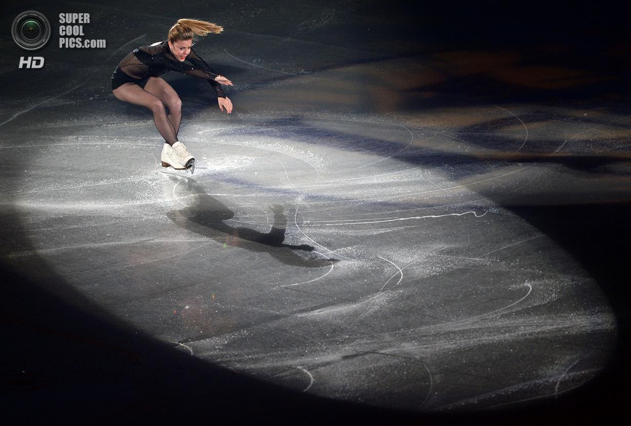 Япония. Фукуока. 8 декабря. Эшли Вагнер из США в Финале Гран-при по фигурному катанию. (TORU YAM