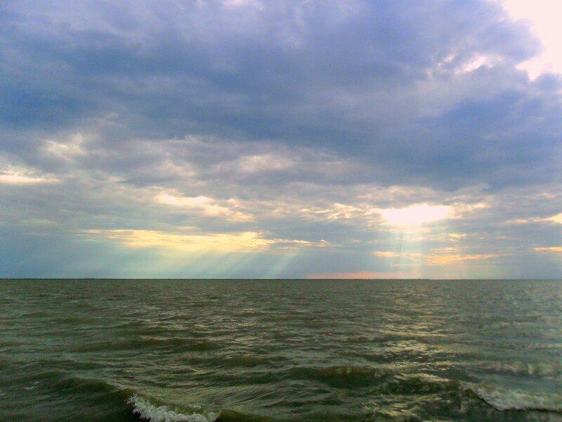 Вечер, праздник у моря