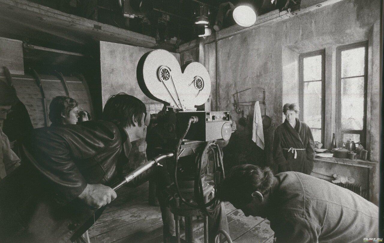 1979. Алиса Фрейндлих и  Андрей Тарковский на съемках «Сталкера»