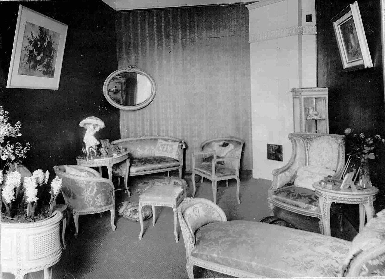 Квартира артистки оперы Марии Александровны Михайловой (3(15).6.1864  — 18.1.1943). Будуар