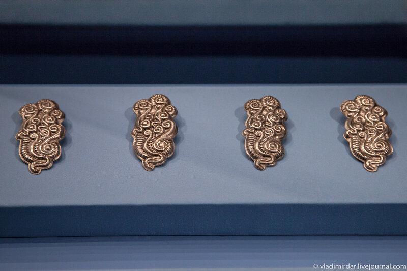 Серебряные украшения конской сбруи