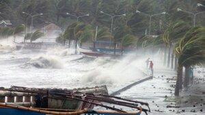 Жители Филиппин остались без воды, еды и жилья