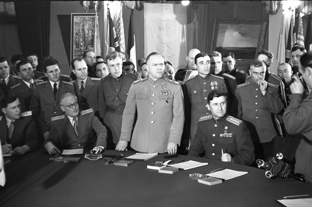 9 мая перед Советским Союзом капитулировал весь Запад