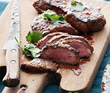 Мясо нарезать порционно