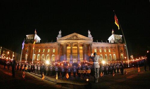 Großer Zapfenstreich vor dem Reichstag